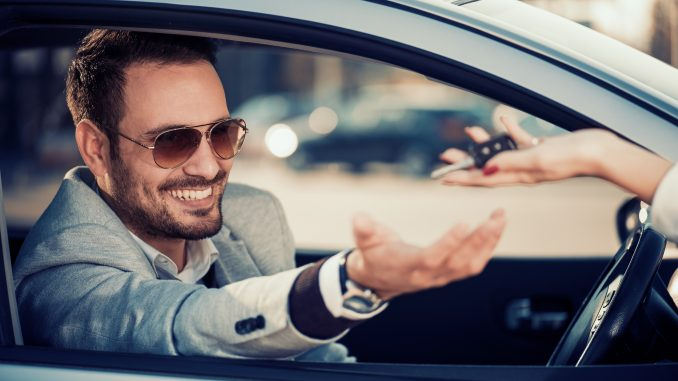Kredyt samochodowy czy leasing - co wybrać?